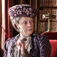 downton-abbey-violet-dowager-countess-of-grantham1-x-200